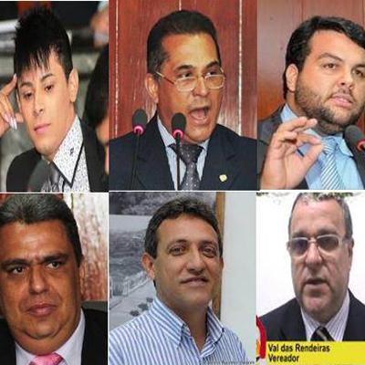 Vereadores investigados são levados à delegacia em Caruaru, no Agreste