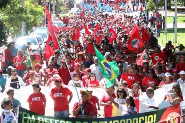 Movimentos sociais e sindicais convocam manifestação de apoio à democracia