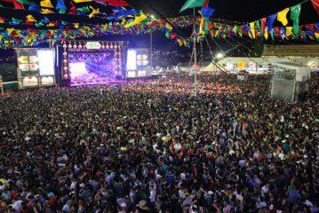 Pop e música eletrônica se rendem ao Forró de Caruaru